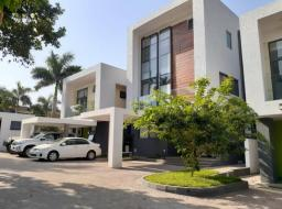 5 bedroom townhouse for rent at Airport Residential Area
