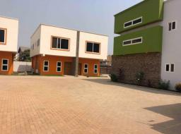 3 bedroom townhouse for sale at Tse addo