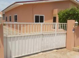 2 bedroom house for rent at tema com. 25
