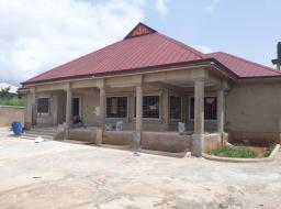 5 bedroom house for sale at Kumasi