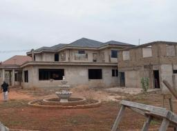 6 bedroom house for sale at Adjiringanor