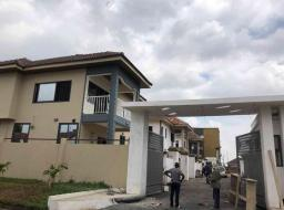 5 bedroom house for sale at Community 20 Tema