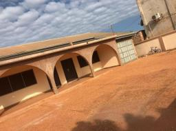 6 bedroom house for rent at Spintex
