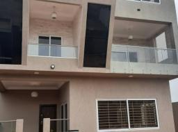 5 bedroom house for sale at EAST AIRPORT, PALACE MALL,AIRPORT,SPINTEX