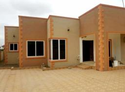 4 bedroom apartment for rent at Accra