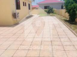3 bedroom house for sale at Community 25, Tema