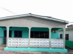 3 bedroom house for sale at Cape Coast