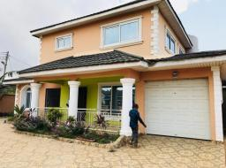 6 bedroom house for sale at American House