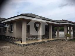 3 bedroom house for rent at Adjiriganor
