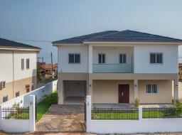 5 bedroom townhouse for sale at Lashibi