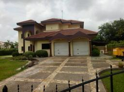 5 bedroom house for rent at Trasacco