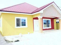 3 bedroom house for sale at Spintex batsoona