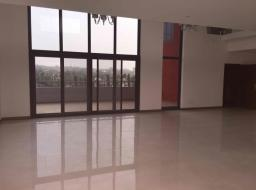 4 bedroom apartment for rent at Airport West