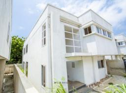 4 bedroom townhouse for sale at Tesano